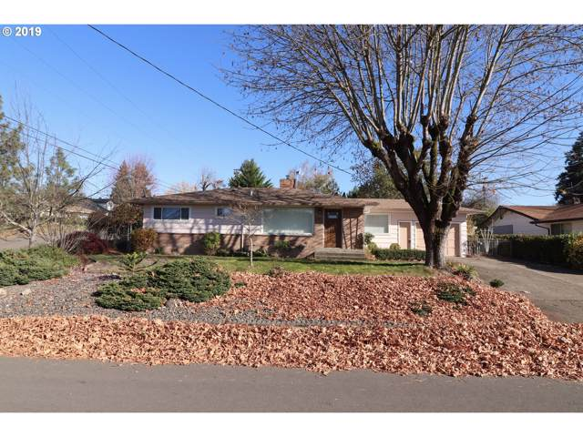 1517 NW Lester St, Roseburg, OR 97471 (MLS #19579703) :: Townsend Jarvis Group Real Estate