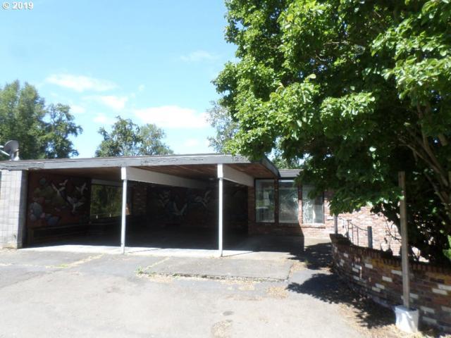 12203 SE 19TH Ave, Milwaukie, OR 97222 (MLS #19584153) :: McKillion Real Estate Group