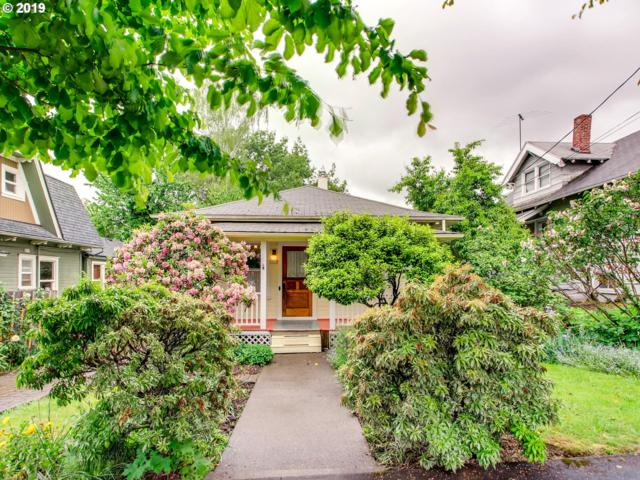3430 SE 10TH Ave, Portland, OR 97202 (MLS #19585367) :: The Sadle Home Selling Team