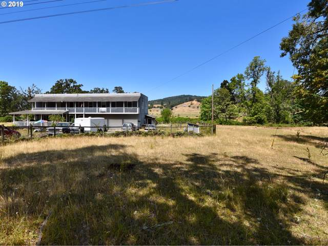 2617 Stearns Ln, Oakland, OR 97462 (MLS #19587420) :: Matin Real Estate Group