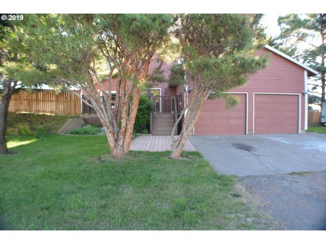 410 16TH St, La Grande, OR 97850 (MLS #19590290) :: Song Real Estate
