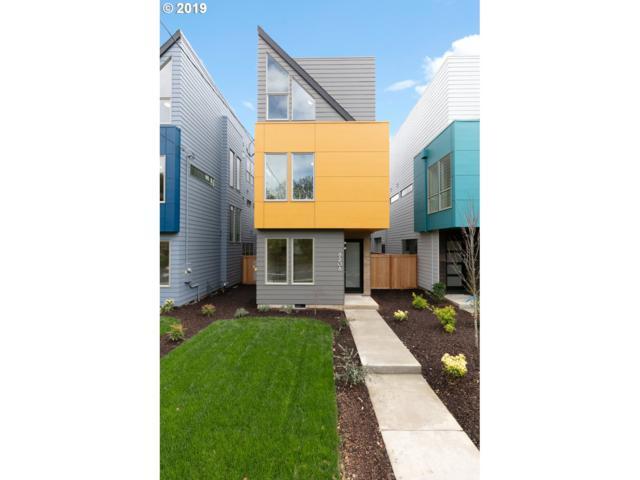 8208 N Chautauqua Blvd, Portland, OR 97217 (MLS #19590363) :: Homehelper Consultants