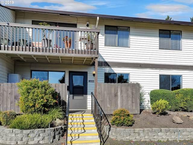 12235 SW King Arthur St, King City, OR 97224 (MLS #19591341) :: R&R Properties of Eugene LLC