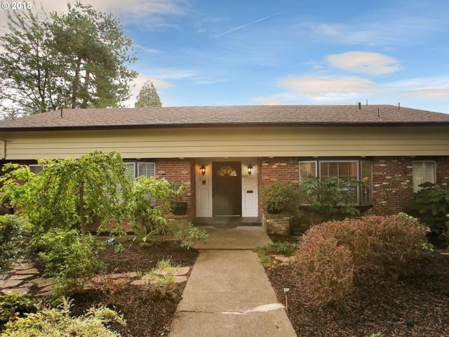 2916 SE Moreland Ln, Portland, OR 97202 (MLS #19591400) :: The Liu Group