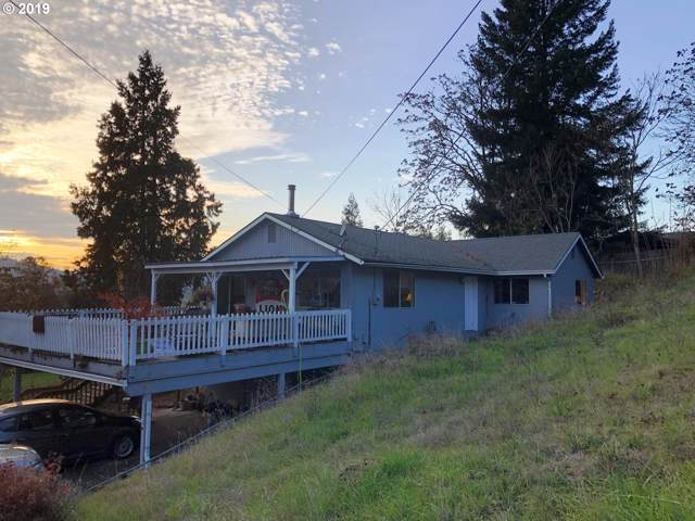 1656 SE Kane St, Roseburg, OR 97470 (MLS #19599938) :: McKillion Real Estate Group
