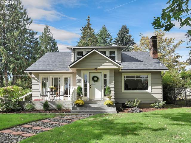 9941 SW 37TH Ave, Portland, OR 97219 (MLS #19601697) :: The Liu Group
