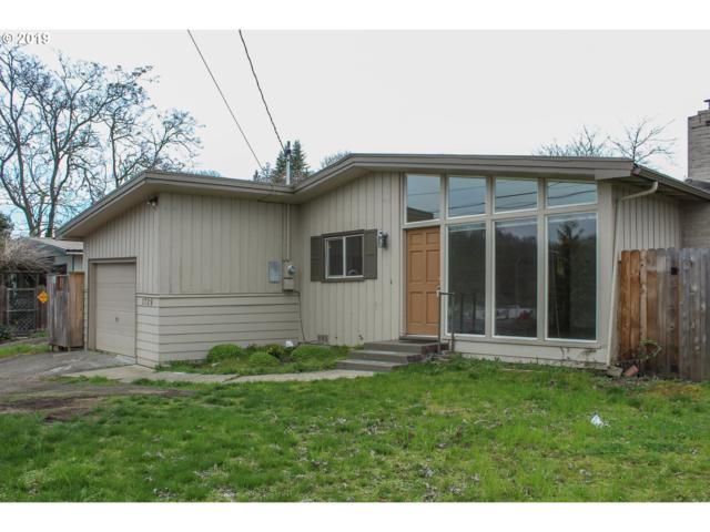 1729 NW Mulholland Dr, Roseburg, OR 97470 (MLS #19602143) :: Townsend Jarvis Group Real Estate