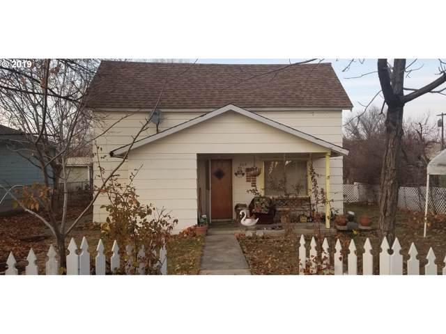 205 Walnut St, Richland, OR 97870 (MLS #19603776) :: McKillion Real Estate Group