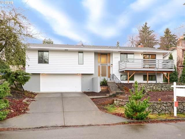 3030 SW Ridge Dr, Portland, OR 97219 (MLS #19604042) :: Homehelper Consultants
