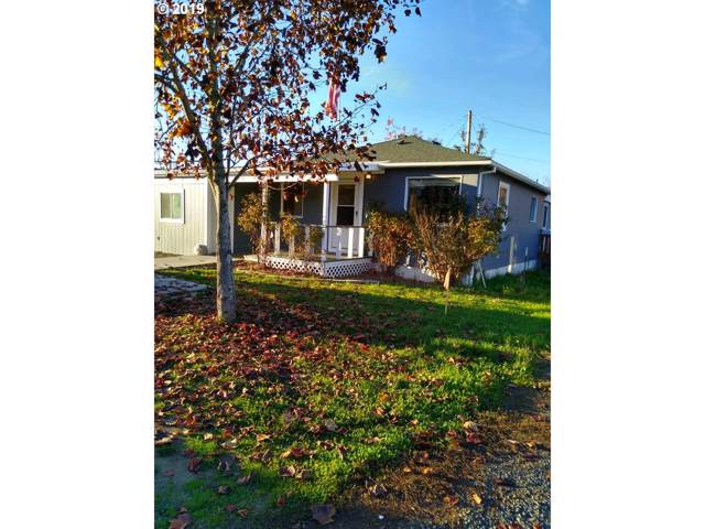 587 NW Douglas Blvd, Winston, OR 97496 (MLS #19604063) :: Song Real Estate