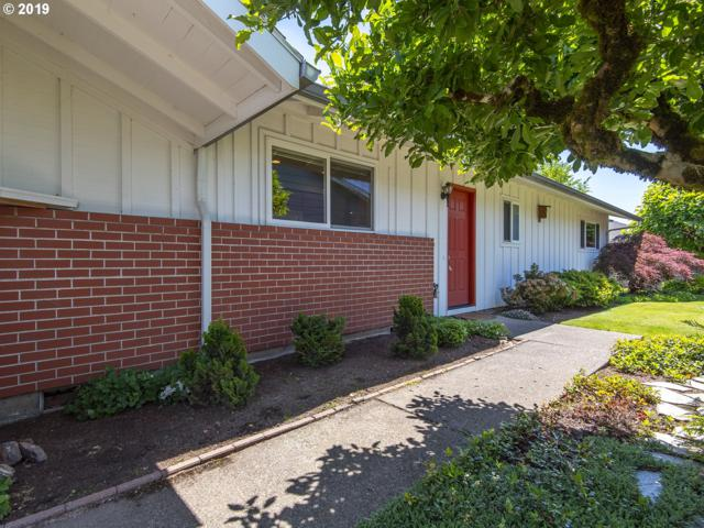 16090 SW Queen Victoria Pl, King City, OR 97224 (MLS #19604324) :: Fox Real Estate Group