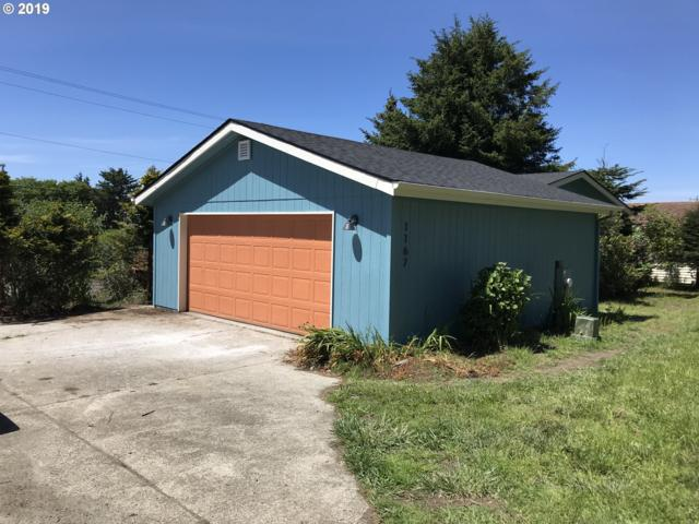 1167 King St, Yachats, OR 97498 (MLS #19605351) :: McKillion Real Estate Group