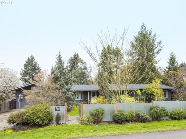 7905 SW Mapleleaf St, Tigard, OR 97223 (MLS #19610297) :: Homehelper Consultants
