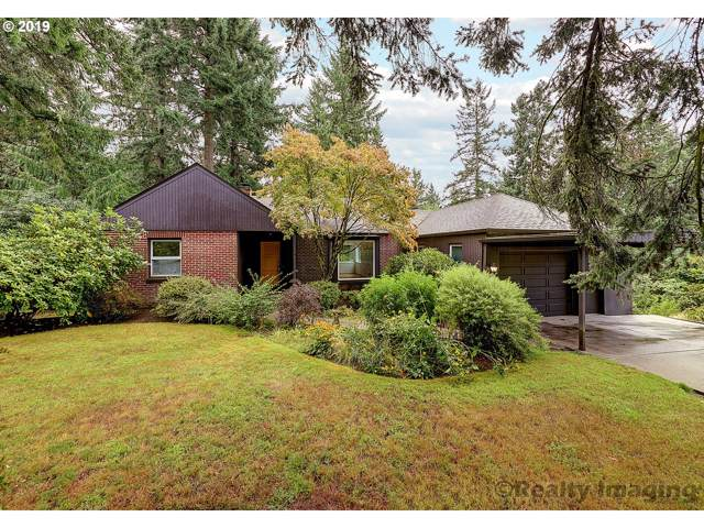 2226 SW Mitchell St, Portland, OR 97239 (MLS #19610784) :: Brantley Christianson Real Estate