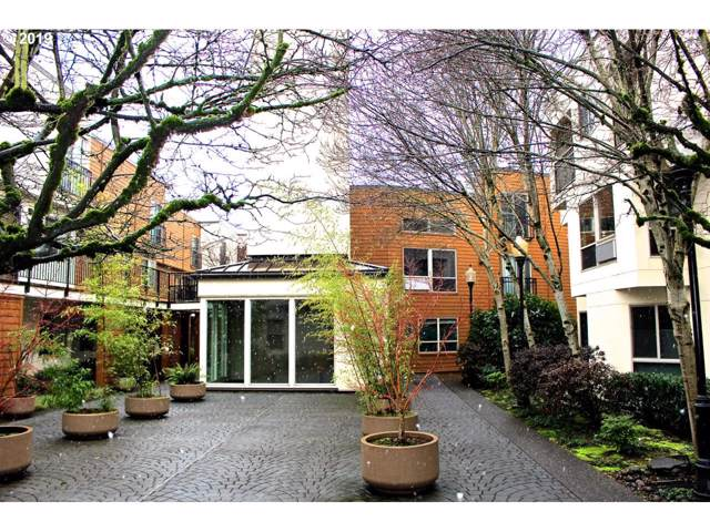 1535 SW Clay St #240, Portland, OR 97201 (MLS #19612095) :: Next Home Realty Connection