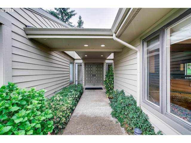 32475 SW Lake Point Ct, Wilsonville, OR 97070 (MLS #19612249) :: Matin Real Estate Group
