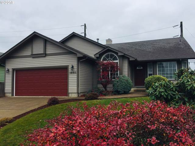 1860 Ridgley Blvd, Eugene, OR 97401 (MLS #19613349) :: Song Real Estate