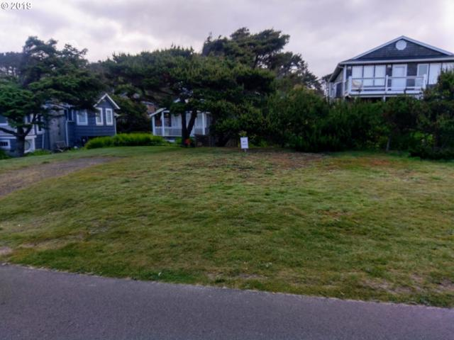 NW Jetty Ave, Lincoln City, OR 97367 (MLS #19616030) :: Cano Real Estate