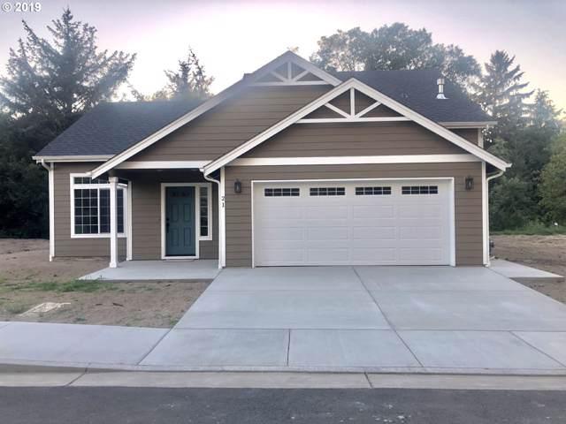 21 SW Kalmia Ave, Warrenton, OR 97146 (MLS #19616061) :: McKillion Real Estate Group