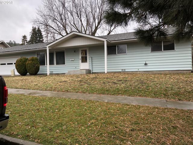112 2ND St, La Grande, OR 97850 (MLS #19616700) :: McKillion Real Estate Group
