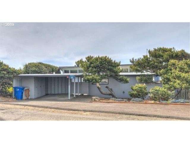 5705 NW Jetty Ave, Lincoln City, OR 97367 (MLS #19621124) :: Cano Real Estate