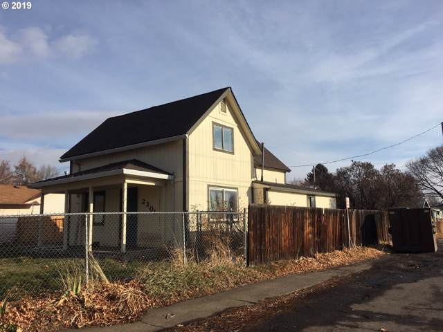 2301 Spruce St, La Grande, OR 97850 (MLS #19629551) :: The Liu Group