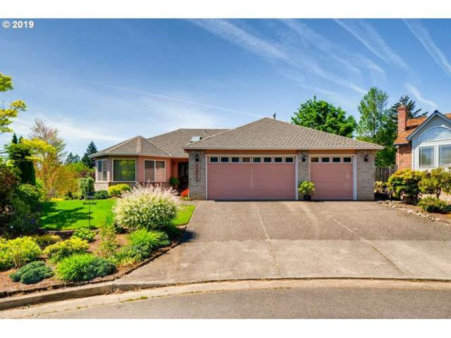 12032 SE Thomson Ct, Happy Valley, OR 97086 (MLS #19630260) :: Change Realty