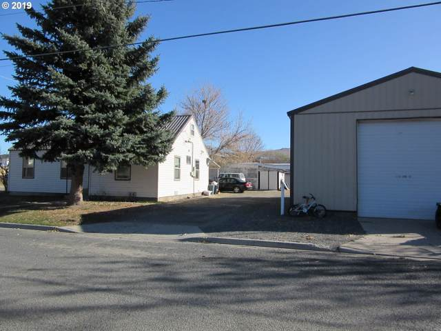 440 3RD St, Baker City, OR 97814 (MLS #19633031) :: Song Real Estate