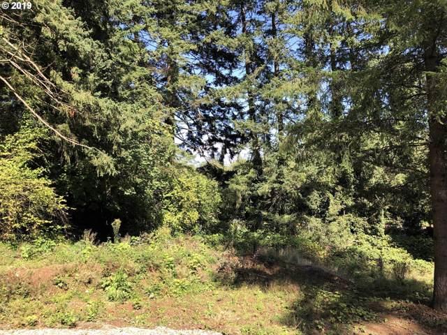 13581 Goodall Rd, Lake Oswego, OR 97034 (MLS #19637288) :: McKillion Real Estate Group