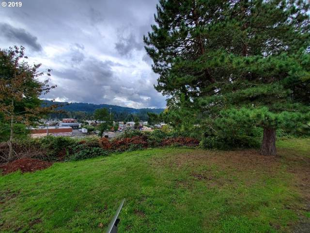 120 W 1ST Ave, Estacada, OR 97023 (MLS #19642155) :: Next Home Realty Connection