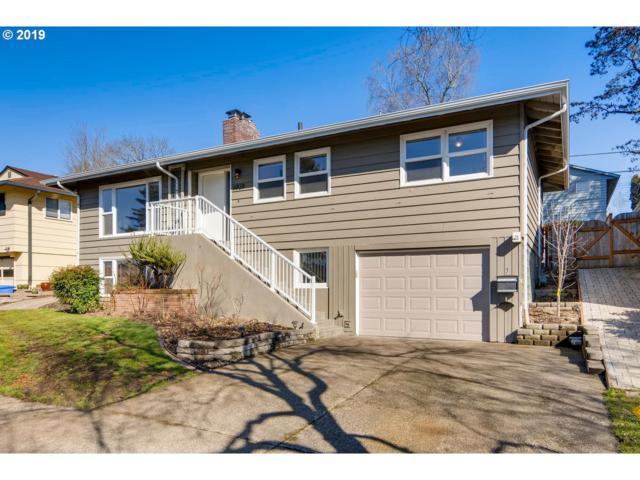 6828 SW 14TH Ave, Portland, OR 97219 (MLS #19642960) :: Homehelper Consultants