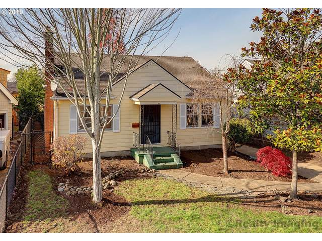 3321 NE 38TH Ave, Portland, OR 97212 (MLS #19645307) :: Next Home Realty Connection