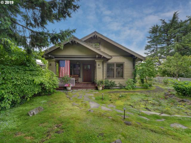 1709 5TH Ave, West Linn, OR 97068 (MLS #19652494) :: Matin Real Estate Group