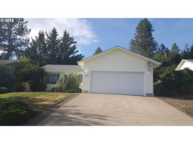 1123 E Fourth Ave, Sutherlin, OR 97479 (MLS #19664629) :: R&R Properties of Eugene LLC