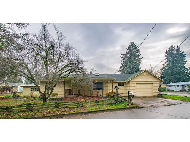 656 N 11TH St, Cottage Grove, OR 97424 (MLS #19665237) :: The Lynne Gately Team