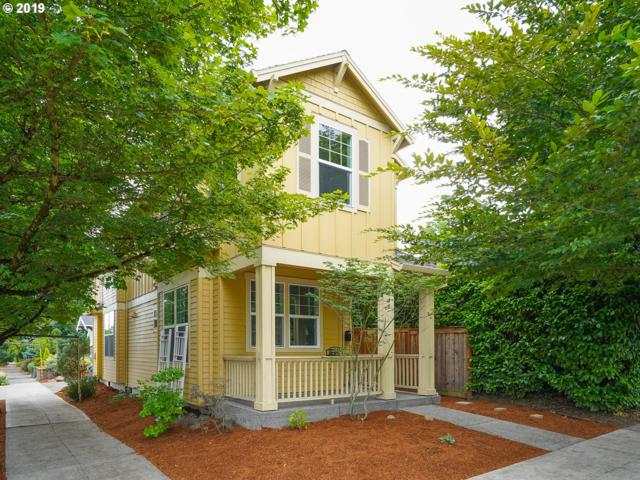 4438 NE 33RD Ave, Portland, OR 97211 (MLS #19665391) :: The Sadle Home Selling Team