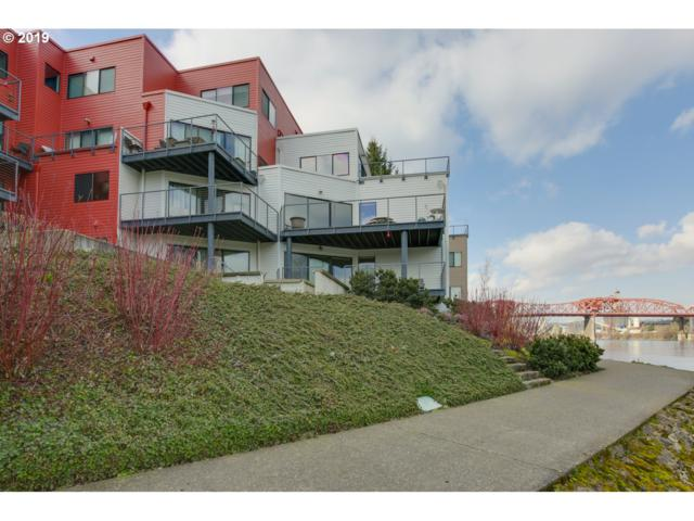 710 NW Naito Pkwy C18, Portland, OR 97209 (MLS #19666356) :: Song Real Estate