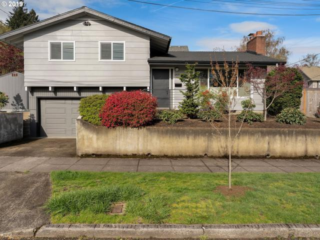 6409 SE 15TH Ave, Portland, OR 97202 (MLS #19671060) :: Homehelper Consultants