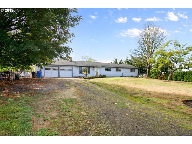 17424 SE Belview Ln, Damascus, OR 97089 (MLS #19671632) :: Cano Real Estate