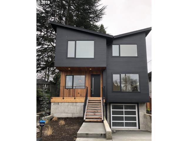 2090 NE Morgan St, Portland, OR 97211 (MLS #19672314) :: Homehelper Consultants