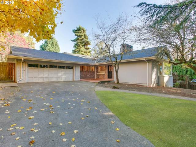 6260 SW Arrow Wood Ln, Portland, OR 97223 (MLS #19674750) :: Next Home Realty Connection
