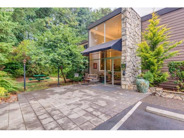 1500 SW Skyline Blvd #9, Portland, OR 97221 (MLS #19680217) :: McKillion Real Estate Group