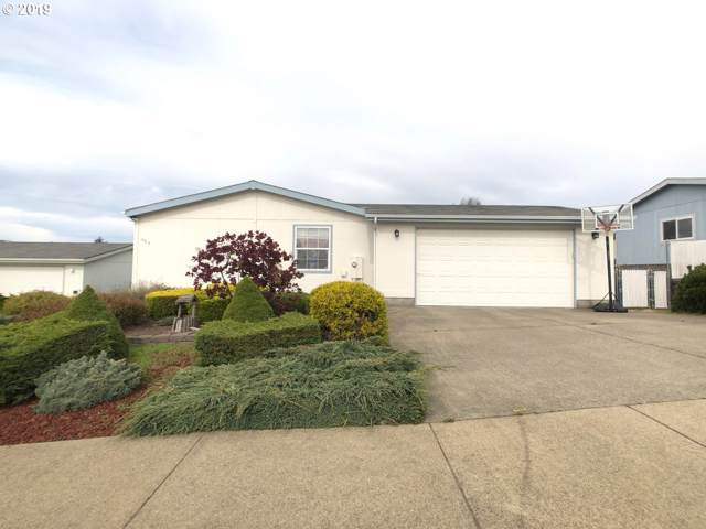 984 Plymouth Ave, Coos Bay, OR 97420 (MLS #19680310) :: The Liu Group