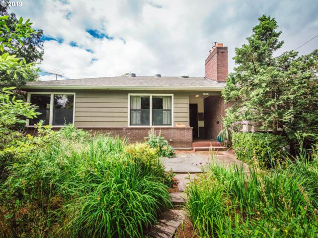2405 SE Ladd Ave, Portland, OR 97214 (MLS #19687655) :: Premiere Property Group LLC