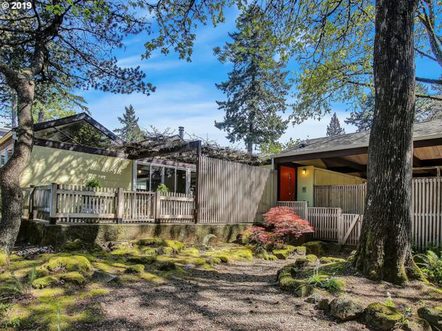 4725 SW Canterbury Ln, Portland, OR 97219 (MLS #19688971) :: Cano Real Estate