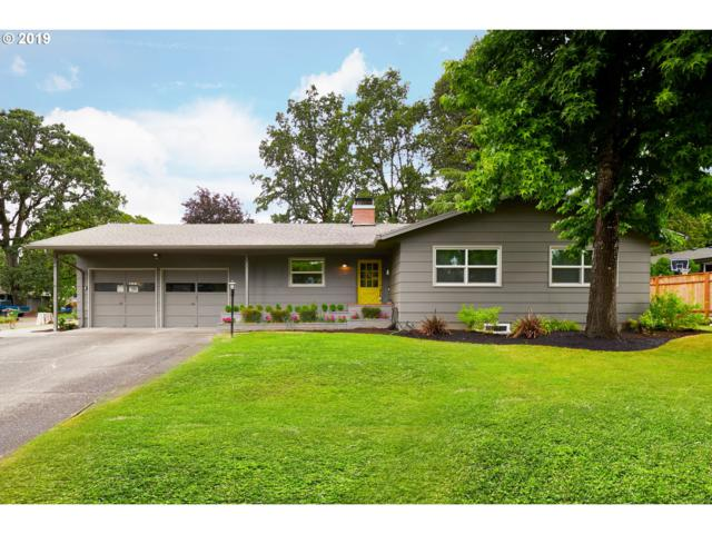 6141 SW Southwood Dr, Portland, OR 97219 (MLS #19689446) :: Brantley Christianson Real Estate