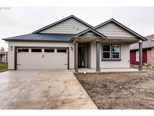 955 Burton, Harrisburg, OR 97446 (MLS #19696054) :: The Galand Haas Real Estate Team