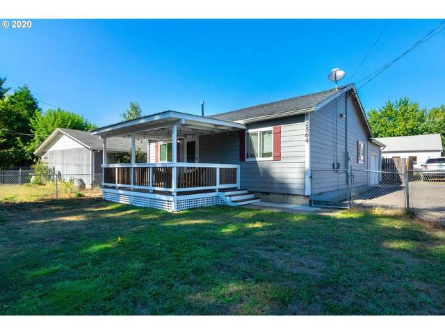 2564 NE Douglas Ave, Roseburg, OR 97470 (MLS #20001161) :: McKillion Real Estate Group