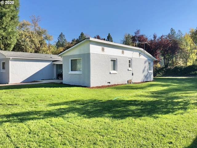 2113 W Foothill Dr, Roseburg, OR 97471 (MLS #20005899) :: Gustavo Group