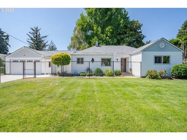 8613 SE Fuller Rd, Happy Valley, OR 97086 (MLS #20009236) :: Fox Real Estate Group